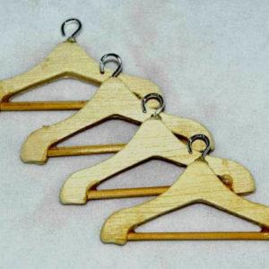 Coat hangers, 4 pack