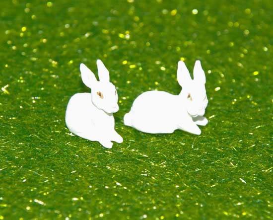 White rabbits, 2 pack