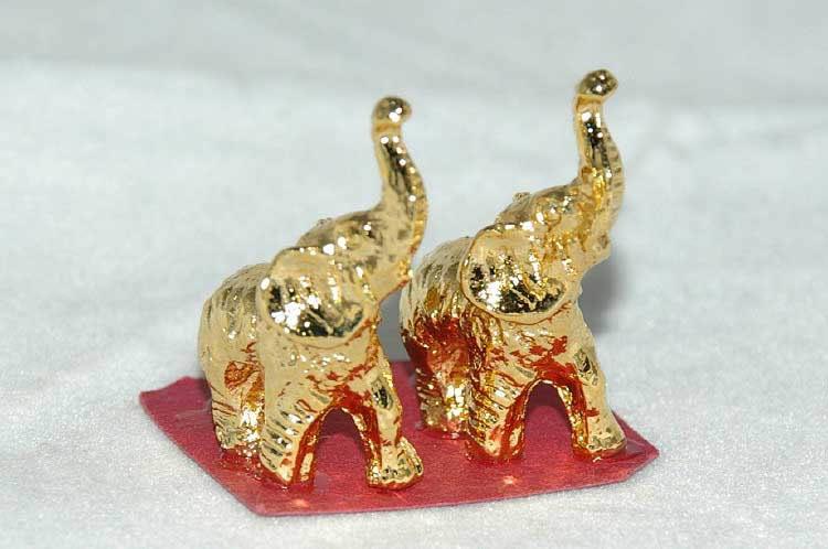 Gold ornament elephants