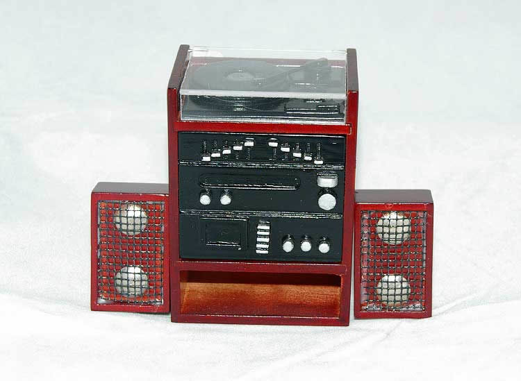 Stereo / player with speakers