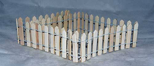 Raw wood fencing, 1m x 6.5h (large) cm
