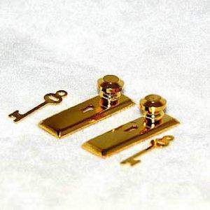 Door handles, gold with key two keys
