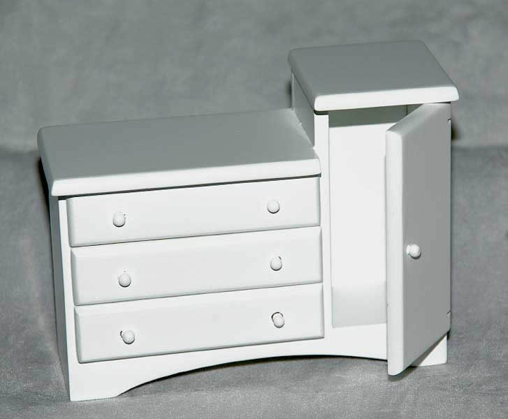 Change  table/chest with drawers, white