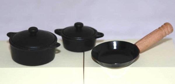 Black casserole and frypan set