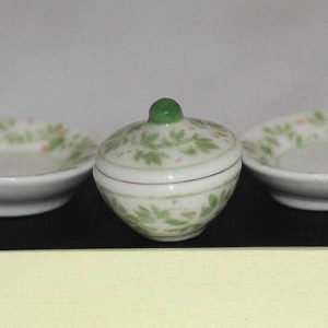 Casserole set,  green and white