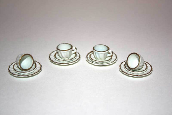 Cup/saucer and plate - set 4