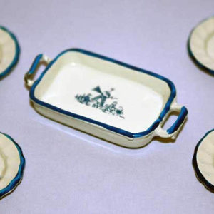 Baking dish with 4 plates