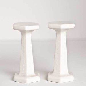 Set of 2 porcelain columns