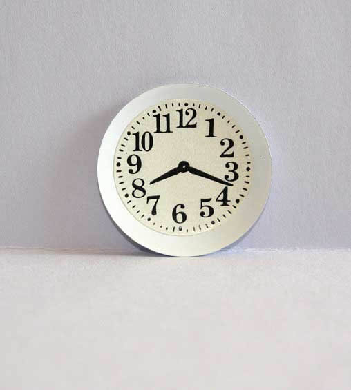 Clock white metal