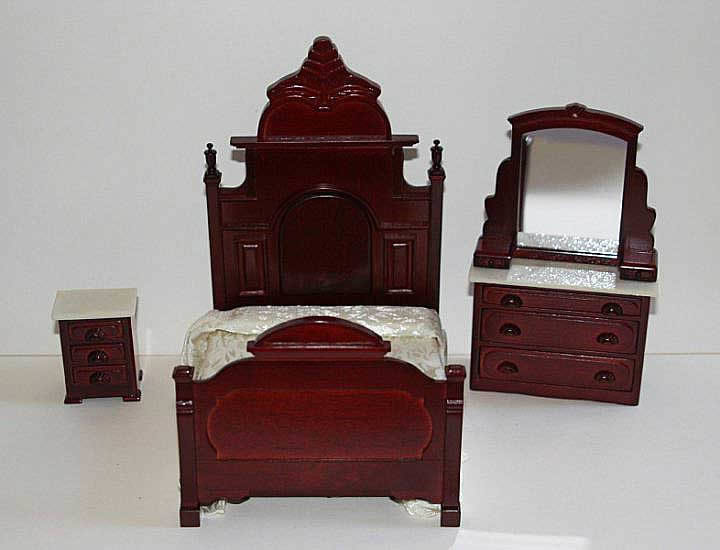 Grand Mahogany Bedroom Set 3 Piece