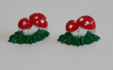 Mushrooms in Grass,  set 2