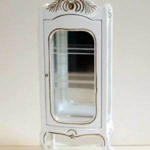 White mirrored display cabinet