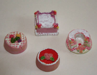 Cakes, set 4 assorted