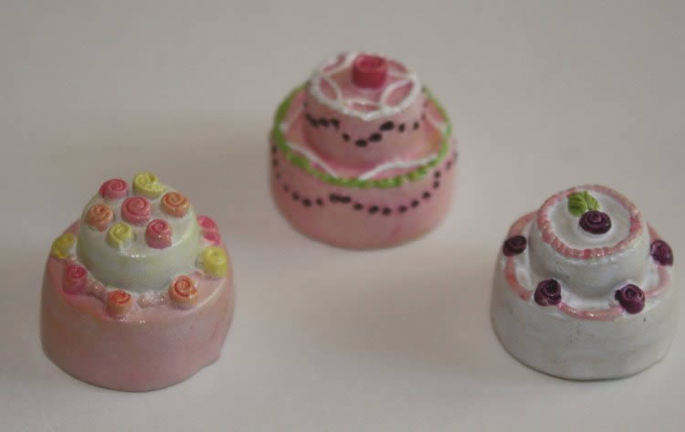 Pink cakes, set of 3