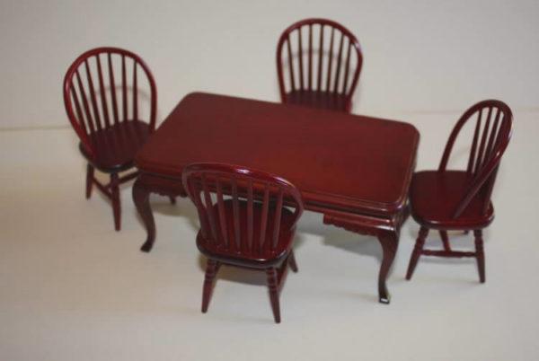 Mahogany table, 4 chairs