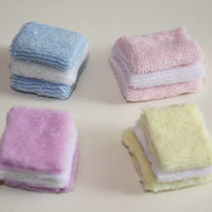 Set 4 assorted coloured  towels