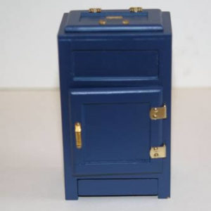 Blue timber ice chest