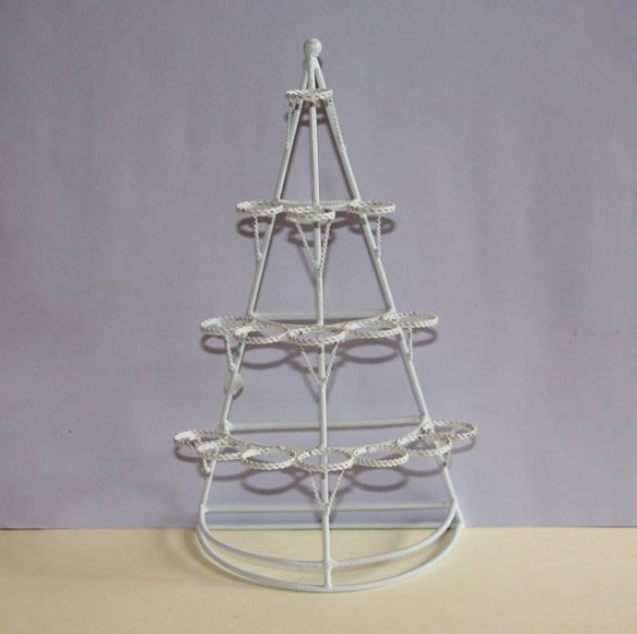White wire 16 hole plant stand