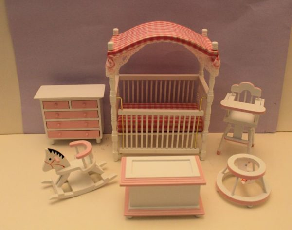 6 pce pink and white nursery set