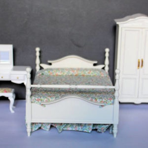 4 pce white bedroom set