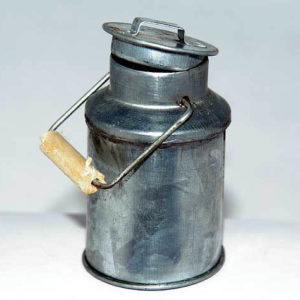Tin milk can with lid