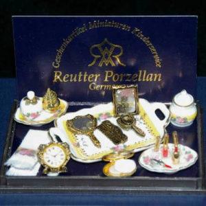Porcelain bathroom  accessories set, lemon and gold