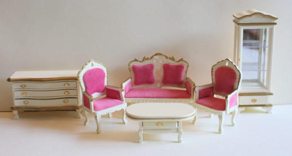 Lounge room set, cream with pink velvet