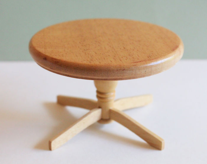 Round Pine Table