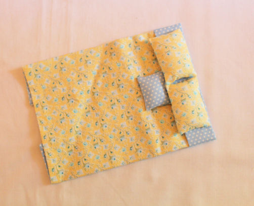 Bedspread/Doona Blue and White Spot and Yellow