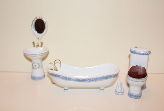 5 Pce White with Blue Trim Bathroom Set