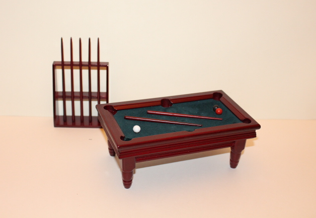 billiad-table-and-cues
