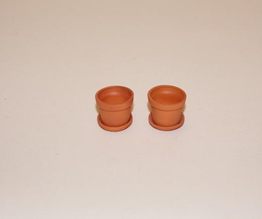 pr-med-pots-and-saucers